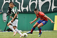 PALMIRA - COLOMBIA, 01-09-2019: Feiver Mercado del Cali disputa el balón con Nicolas Roa de Pasto durante partido entre Deportivo Cali y Deportivo Pasto por la fecha 9 de la Liga Águila II 2019 jugado en el estadio Deportivo Cali de la ciudad de Palmira. / Feiver Mercado of Cali vies for the ball with Nicolas Roa of Pasto during match between Deportivo Cali and Deportivo Pasto for the date 9 as part Aguila League II 2019 played at Deportivo Cali stadium in Palmira city. Photo: VizzorImage / Gabriel Aponte / Staff