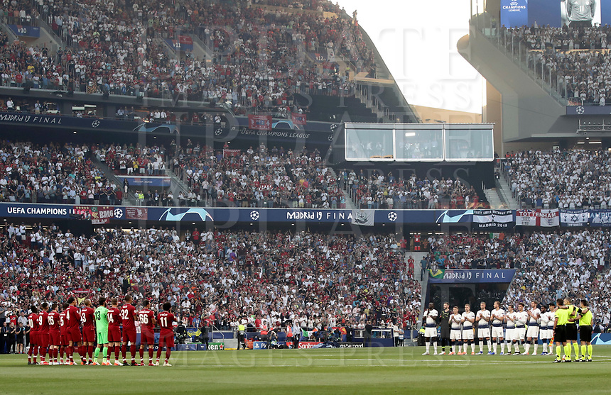 Tottenham Hotspur and Liverpool players observe a minute of silence in memory of Jose' Antonio Reyes before the start of their UEFA Champions League final football match at Madrid's Wanda Metropolitano Stadium, Spain, June 1, 2019.<br /> UPDATE IMAGES PRESS/Isabella Bonotto