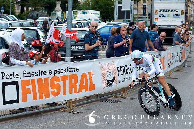 Cancellara at 400 meters out.