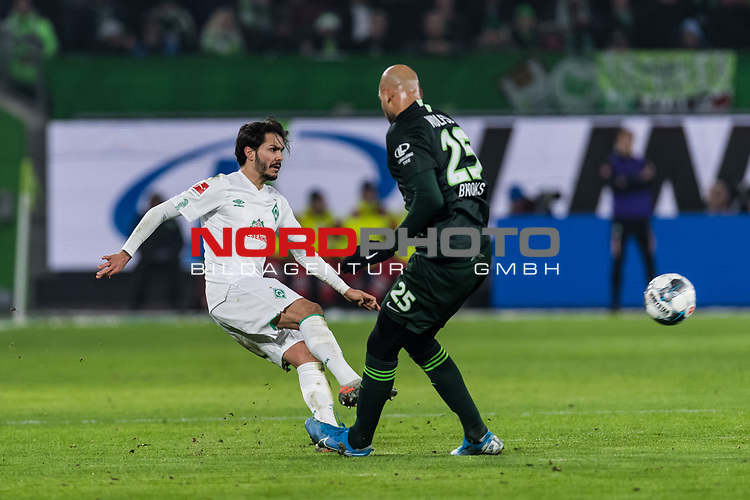 01.12.2019, Volkswagen Arena, Wolfsburg, GER, 1.FBL, VfL Wolfsburg vs SV Werder Bremen<br /> <br /> DFL REGULATIONS PROHIBIT ANY USE OF PHOTOGRAPHS AS IMAGE SEQUENCES AND/OR QUASI-VIDEO.<br /> <br /> im Bild / picture shows<br /> John Anthony Brooks (VfL Wolfsburg #25), <br /> Leonardo Bittencourt (Werder Bremen #10), <br /> <br /> Foto © nordphoto / Ewert