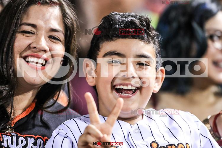 Home Run de Matt Juengel de yaquis, durante el partido2 de beisbol entre Naranjeros de Hermosillo vs Yaquis de Obregon. Temporada 2016 2017 de la Liga Mexicana del Pacifico.<br /> &copy; Foto: LuisGutierrez/NORTEPHOTO.COM