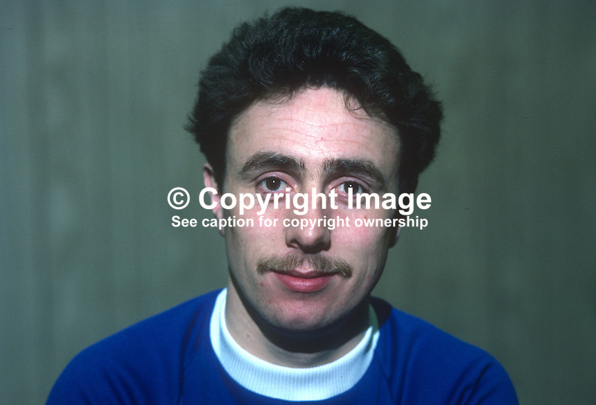 Stephen McKee, footballer, Linfield FC, Belfast, N Ireland, 198201003SMK..Copyright Image from Victor Patterson, 54 Dorchester Park, Belfast, UK, BT9 6RJ..Tel: +44 28 9066 1296.Mob: +44 7802 353836.Voicemail +44 20 8816 7153.Skype: victorpattersonbelfast.Email: victorpatterson@me.com.Email: victorpatterson@ireland.com (back-up)..IMPORTANT: If you wish to use this image or any other of my images please go to www.victorpatterson.com and click on the Terms & Conditions. Then contact me by email or phone with the reference number(s) of the image(s) concerned.