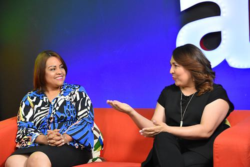 Karen Serrata y Emelyn Baldera.