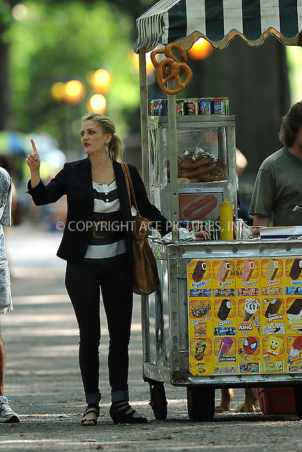 WWW.ACEPIXS.COM . . . . . ....August 6 2009, New York City....Actress Drew Barrymore on the Central Park set of the new movie 'Going the Distance' on August 6 2009 in New York City....Please byline: KRISTIN CALLAHAN - ACEPIXS.COM.. . . . . . ..Ace Pictures, Inc:  ..tel: (212) 243 8787 or (646) 769 0430..e-mail: info@acepixs.com..web: http://www.acepixs.com