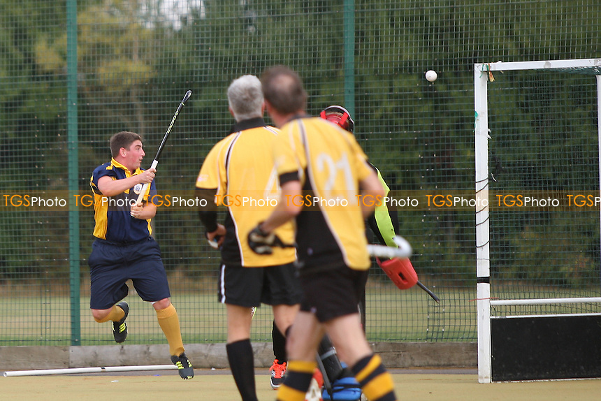 Romford score their second goal of the game-Romford HC vs Old Southendian HC 2nd XI, East Region League Field Hockey at the Robert Clack Leisure Centre on 8th October 2016