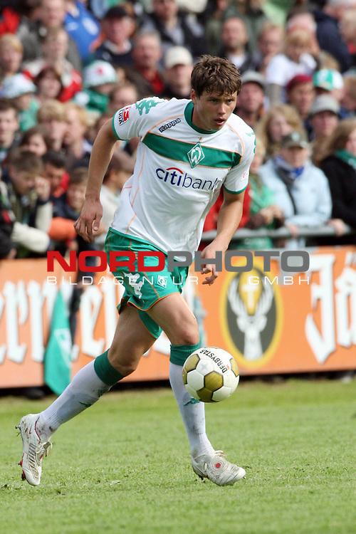 FBL 08/09 Test - BSV Kickers Emden vs. SV Werder Bremen in Loga bei Leer am 20.07.2008 1:2 (1:0)<br /> <br /> Freundschaftsspiel - Friendlymatch<br /> <br /> Sebastian Boenisch (#2 GER Werder Bremen).<br /> <br /> Foto &copy; nph (  nordphoto  ) *** Local Caption ***