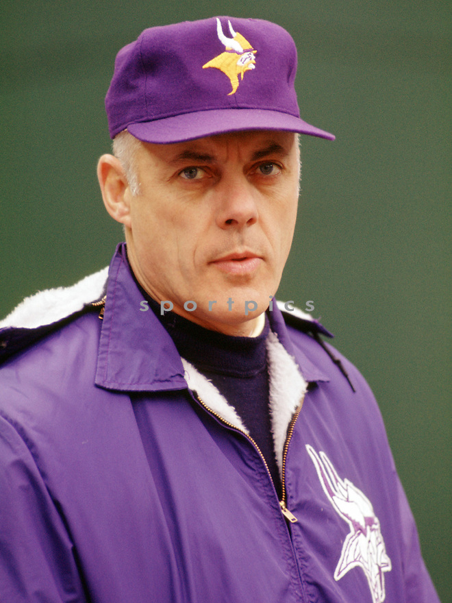 Minnesota Vikings Bud Grant head coach during a game from his 1972 season with the Minnesota Vikings. Bud Grant coached for 18 seasons, all with the Minnesota Viking, coached the Vikings to the 1969 NLF Championship and was inducted to the Pro Football Hall of Fame in 1983.(SportPics)