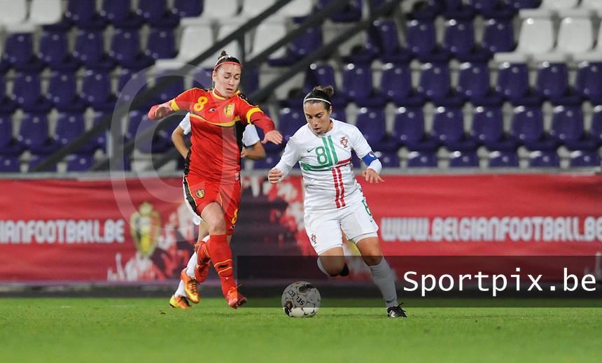 Belgian Red Flames - Portugal (31/10/2013) :<br /> Duel tusse Edite Fernandes (R) en Audrey Demoustier (L)<br /> foto Dirk Vuylsteke / nikonpro.be
