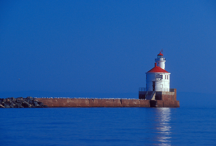 THE SUPERIOR SOUTH BREAKWATER LIGHT ON LAKE SUPERIOR IN SUPERIOR, WISCONSIN.