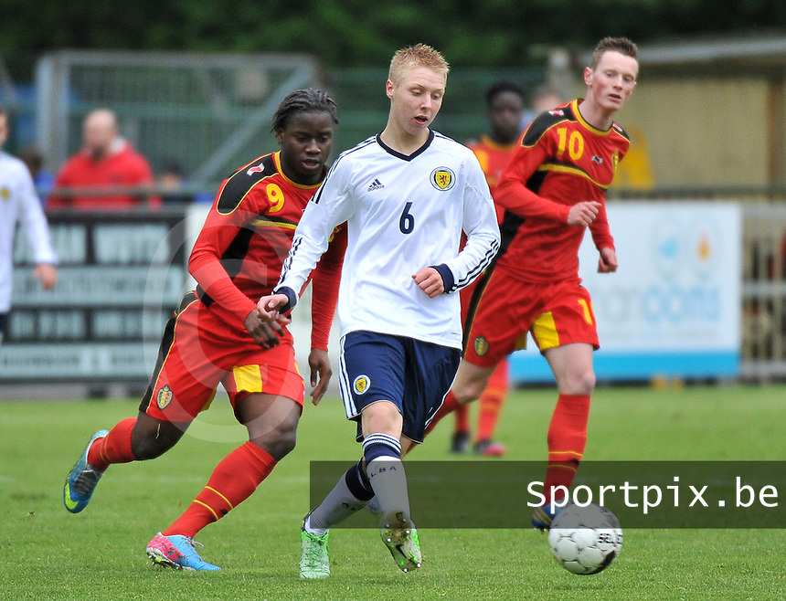 Scotland U19 - Belgium U19 : Jamie Lindsay (6) and Nathan Kabasele (9).foto DAVID CATRY / Nikonpro.be