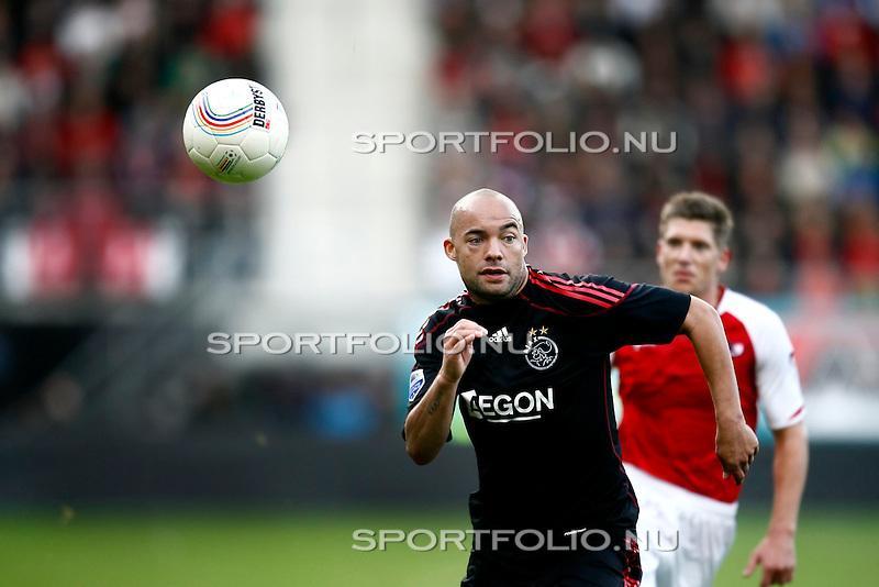 Nederland, Alkmaar, 25 oktober 2009 .Eredivisie.Seizoen 2009/2010.AZ-Ajax (2-4).Demy de Zeeuw van AZ in actie met de bal