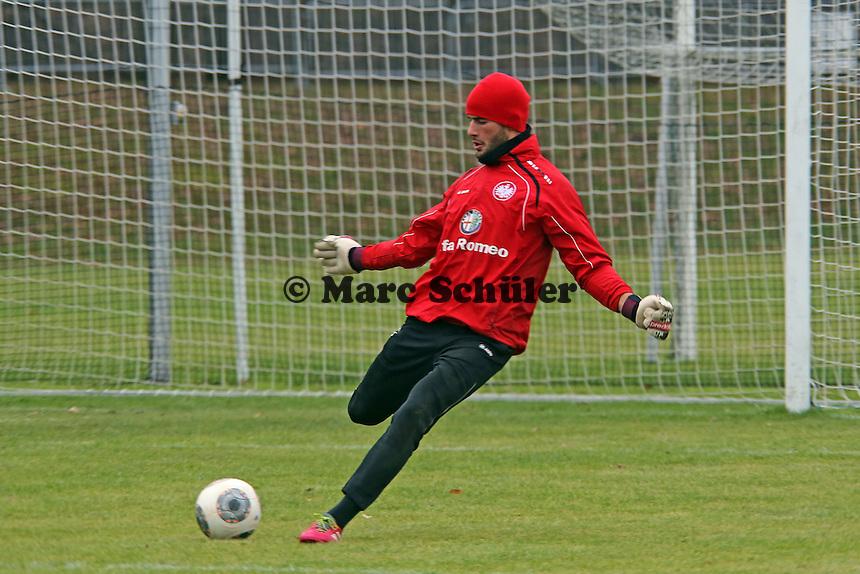 Aykut Özer (Eintracht)
