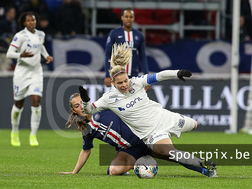 20191116 – LYON ,  FRANCE ; PSG's Sara Dabritz tackles Lyon's Eugenie Le Sommer during a women's soccer game between Olympique Lyonnais and PARIS SG on the 9th matchday of the French Women's first league , D1 of the 2019-2020 season , Saturday 16 th November 2019 at the Groupama stadium in Lyon , France . PHOTO SPORTPIX.BE | SEVIL OKTEM