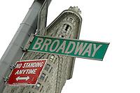 Impressions from the big apple - the melting pot New York NY - broadway. photo: Christin Kersten. ..Jegliche kommerzielle Nutzung ist honorar- und mehrwertsteuerpflichtig! Persönlichkeitsrechte sind zu wahren. Es wird keine Haftung übernommen bei Verletzung von Rechten Dritter. Autoren-Nennung gem. §13 UrhGes. wird verlangt. Weitergabe an Dritte nur nach  vorheriger Absprache..
