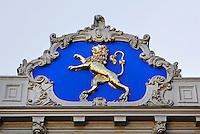 Friese leeuw aan een gevel bij het Raadhuisplein in Leeuwarden