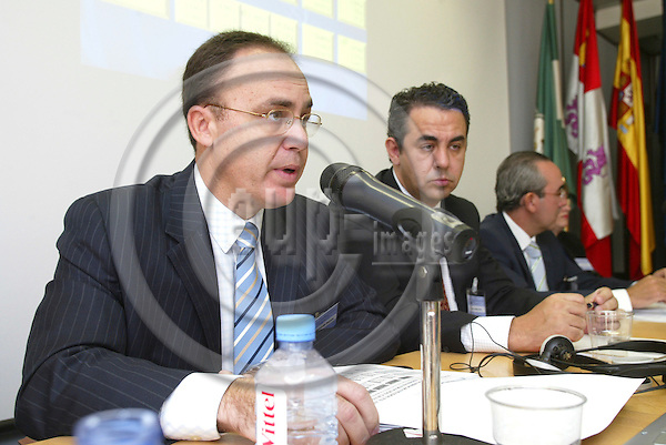 """BRUSSELS - BELGIUM - 12 OCTOBER 2005 -- Committee of the Regions Open Days -- Management and implementation of projects: best practices in the Office of Castilla y Leon -- From left Antonio VALVERDE RAMOS, General Director European Fund, Spain, Victor VALVERDE GOMEZ, General Director for Economy and European Affairs at Castilla y Le?n, Spain, Francisco SARDINA, General Director Institute of Infrastructural Development of the Region of Murcia in Spain, and  Malgorzata LANGIEWICZ, Director Local Authorities Association - """"House of Europe"""" in Lubelskie, Poland.  PHOTO: ERIK LUNTANG / EUP-IMAGES.."""
