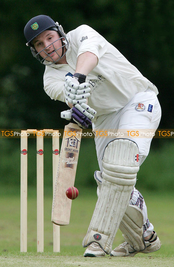 Kevin Smith (South Woodford) - South Woodford CC vs Brentwood CC - Shepherd Neame Essex League Cup - 06/05/06 - (Gavin Ellis 2006)