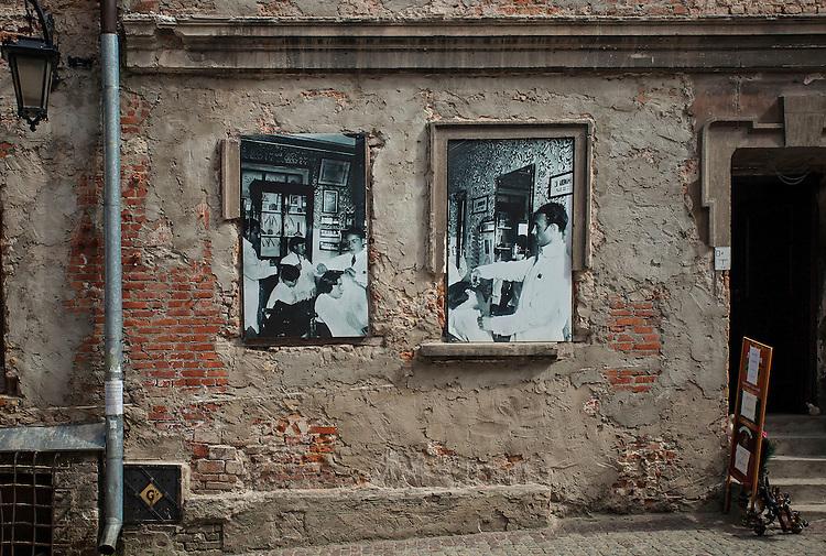 2013-05-15. Remontowana kamienica przy ulicy Grodzkiej. Lublin, stare miasto