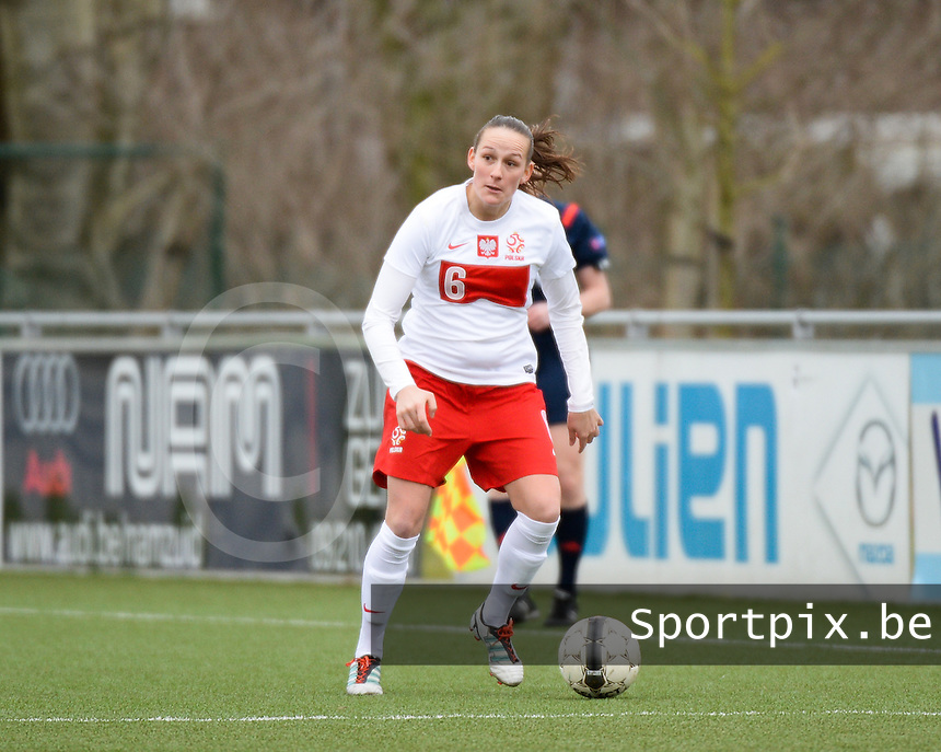 20140208 - OOSTAKKER , BELGIUM : Polish Donata Lesnik pictured during a friendly soccer match between the women teams of Belgium and Poland , Saturday 8 February 2014 in Oostakker. PHOTO DAVID CATRY