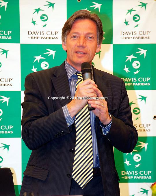 06-05-10, Zoetermeer, SilverDome, Tennis,  Davis Cup, Netherlands-Italy, Draw, Frans Muijzers
