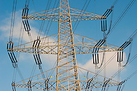"Europa Deutschland DEU Hochspannungsleitung in Hamburg am Kraftwerk Moorburg<br />  -  Energie | <br /> Europe Germany GER , high voltage steel tower for power supply in Hamburg <br />   -  energy <br /> | [ copyright (c) Joerg Boethling / agenda , Veroeffentlichung nur gegen Honorar und Belegexemplar an / publication only with royalties and copy to:  agenda PG   Rothestr. 66   Germany D-22765 Hamburg   ph. ++49 40 391 907 14   e-mail: boethling@agenda-fototext.de   www.agenda-fototext.de   Bank: Hamburger Sparkasse  BLZ 200 505 50  Kto. 1281 120 178   IBAN: DE96 2005 0550 1281 1201 78   BIC: ""HASPDEHH"" ,  WEITERE MOTIVE ZU DIESEM THEMA SIND VORHANDEN!! MORE PICTURES ON THIS SUBJECT AVAILABLE!! ] [#0,26,121#]"