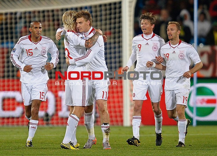 19.06.2010, Loftus Versfeld Stadium, Pretoria, RSA, FIFA WM 2010, Cameroon (CMR) vs Denmark (DEN), im Bild Nicklas Bendtner of Denmark celebrates scoring the 1st goal for Denmark.  Foto: nph /    Marc Atkins *** Local Caption *** Fotos sind ohne vorherigen schriftliche Zustimmung ausschliesslich f&uuml;r redaktionelle Publikationszwecke zu verwenden.<br /> <br /> Auf Anfrage in hoeherer Qualitaet/Aufloesung