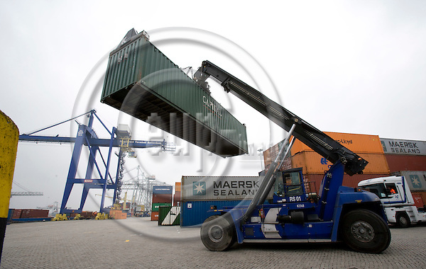 ROTTERDAM - NETHERLAND - 21 FEBRUARY 2008 -- Port of Rotterdam -- Unloaded containers being driven away at the Interforest Terminal Rotterdam.  Photo: Erik Luntang/EUP-IMAGES