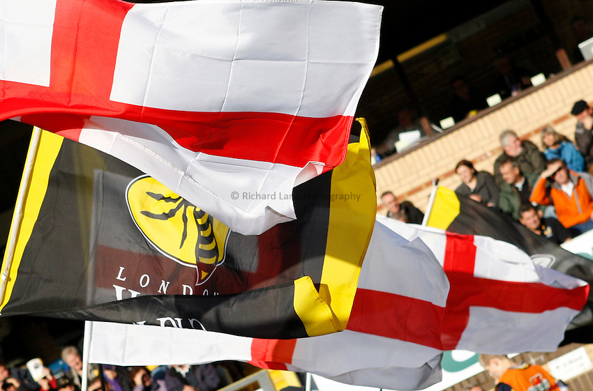 Photo: Richard Lane/Richard Lane Photography. London Wasps v Leeds Carnegie. Guinness Premiership. 01/11/2009. Wasps and St. George's flag