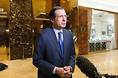 Fox News host Howard Kurtz speaks with the presss the lobby of Trump Tower in New York, NY, USA on January, 9, 2017. <br /> Credit: Albin Lohr-Jones / Pool via CNP