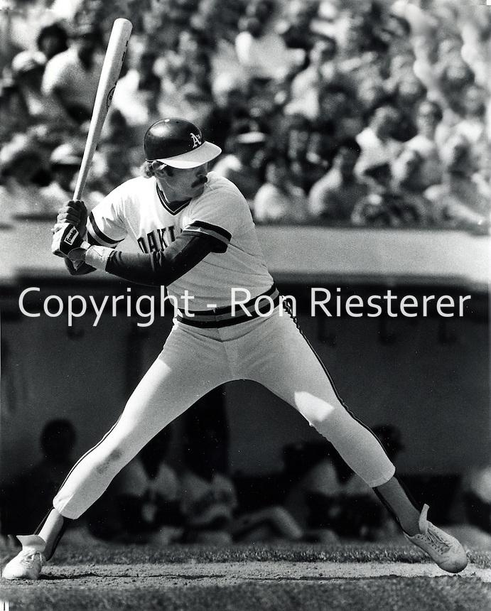 Oakland A's slugger Dave Kingman 1985 .<br />(photoby Ron Riesterer/photoshelter)