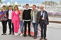 "CANNES, FRANCE. May 17, 2019: Rebecca O'Brien, Paul Laverty, Debbie Honeywood, Katie Proctor, Rhys Stone, Kris Hitchen & Ken Loach at the photocall for the ""Sorry We Missed You"" at the 72nd Festival de Cannes.<br /> Picture: Paul Smith / Featureflash"
