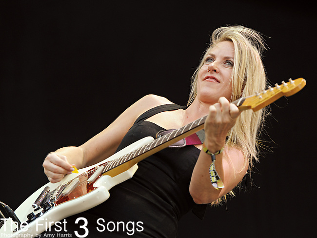 Liz Phair performs during day two of the Dave Matthews Band Caravan at Lakeside on July 9, 2011 in Chicago, Illinois.