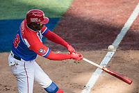 Rusney Castillo de los Criollos de Caguas de Puerto Rico conecta de hot el sexto inning, durante el partido de beisbol de la Serie del Caribe contra los Alazanes de Gamma de Cuba en estadio de los Charros de Jalisco en Guadalajara, México, Martes 6 feb 2018.  (Foto: AP/Luis Gutierrez)