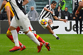 5th November 2017, Allianz Stadium, Turin, Italy; Serie A football, Juventus versus Benevento; Paulo Dybala from a free kick