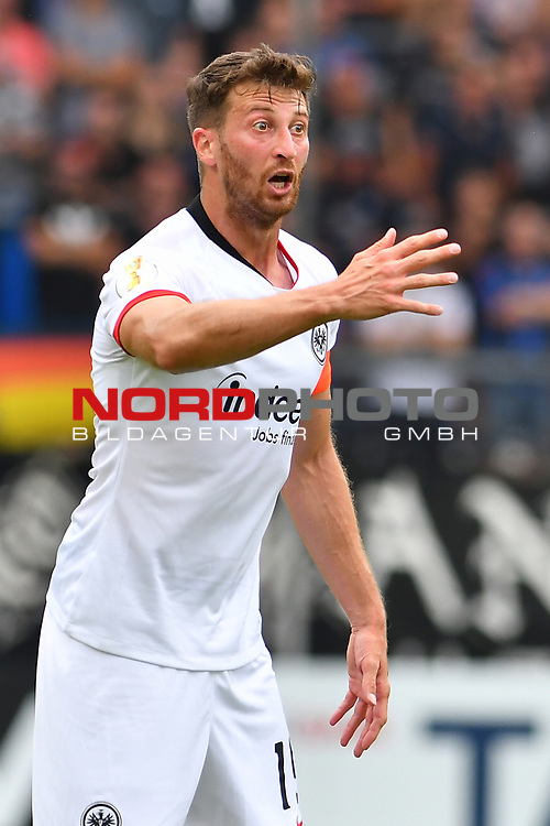 11.08.2019, Carl-Benz-Stadion, Mannheim, GER, DFB Pokal, 1. Runde, SV Waldhof Mannheim vs. Eintracht Frankfurt, <br /> <br /> DFL REGULATIONS PROHIBIT ANY USE OF PHOTOGRAPHS AS IMAGE SEQUENCES AND/OR QUASI-VIDEO.<br /> <br /> im Bild: David Abraham (Eintracht Frankfurt #19)<br /> <br /> Foto © nordphoto / Fabisch