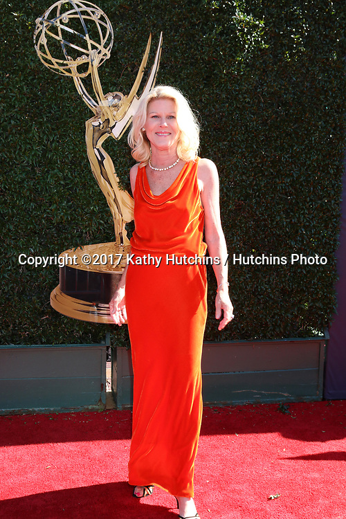 LOS ANGELES - APR 30:  Alley Mills at the 44th Daytime Emmy Awards - Arrivals at the Pasadena Civic Auditorium on April 30, 2017 in Pasadena, CA