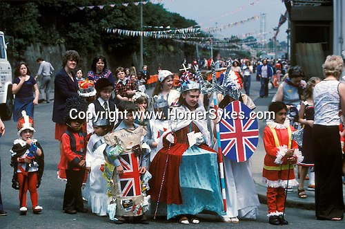 Queen Elizabeth's Silver Jubilee  celebration street party Podmore Street, Wandsworth, South London 1977 England