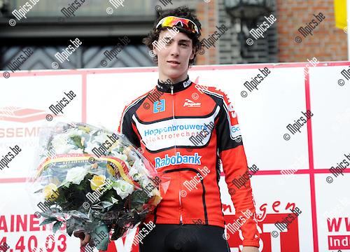 2011-07-10 / Seizoen 2011-2012 / Wielrennen / Sint-Martinusprijs Kontich / Winnaar van vandaag: Timo Roosen ..Foto: mpics