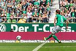 01.09.2019, wohninvest WESERSTADION, Bremen, GER, 1.FBL, Werder Bremen vs FC Augsburg<br /> <br /> DFL REGULATIONS PROHIBIT ANY USE OF PHOTOGRAPHS AS IMAGE SEQUENCES AND/OR QUASI-VIDEO.<br /> <br /> im Bild / picture shows<br /> Tor 1:0, <br /> Yuya Osako (Werder Bremen #08) mit Torschuss und Treffer zum 1:0, <br /> <br /> Foto © nordphoto / Ewert