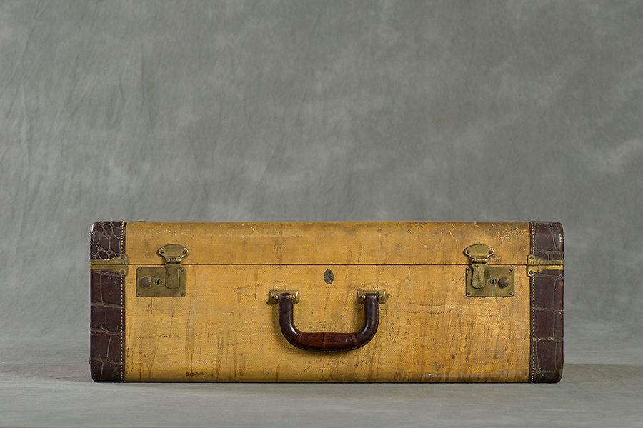 Willard Suitcases / Edward T / ©2014 Jon Crispin