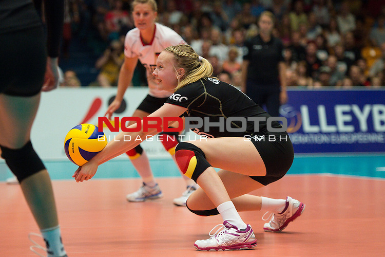 11.07.2014, Anhalt Arena, Dessau<br /> Volleyball, European League 2014, Deutschland vs. Griechenland<br /> <br /> Annahme Jennifer Geerties (#6 GER)<br /> <br />   Foto &copy; nordphoto / Kurth