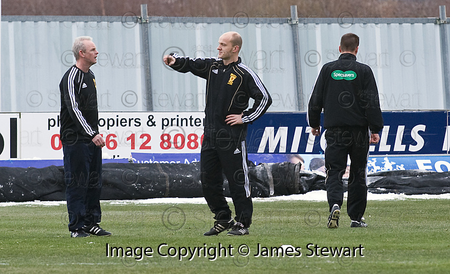 18/12/2010   Copyright  Pic : James Stewart.sct_jsp012_falkirk_late_call_off   .:: REFEREE MAT NORTHCROFT INSPECTS THE PITCH BEFORE CALLING OFF THE GAME AT 2.00PM DESPITE THE PITCH PASSING AN EARLIER INSPECTION ::.James Stewart Photography 19 Carronlea Drive, Falkirk. FK2 8DN      Vat Reg No. 607 6932 25.Telephone      : +44 (0)1324 570291 .Mobile              : +44 (0)7721 416997.E-mail  :  jim@jspa.co.uk.If you require further information then contact Jim Stewart on any of the numbers above.........26/10/2010   Copyright  Pic : James Stewart._DSC4812  .::  HAMILTON BOSS BILLY REID ::  .James Stewart Photography 19 Carronlea Drive, Falkirk. FK2 8DN      Vat Reg No. 607 6932 25.Telephone      : +44 (0)1324 570291 .Mobile              : +44 (0)7721 416997.E-mail  :  jim@jspa.co.uk.If you require further information then contact Jim Stewart on any of the numbers above.........26/10/2010   Copyright  Pic : James Stewart._DSC4812  .::  HAMILTON BOSS BILLY REID ::  .James Stewart Photography 19 Carronlea Drive, Falkirk. FK2 8DN      Vat Reg No. 607 6932 25.Telephone      : +44 (0)1324 570291 .Mobile              : +44 (0)7721 416997.E-mail  :  jim@jspa.co.uk.If you require further information then contact Jim Stewart on any of the numbers above.........