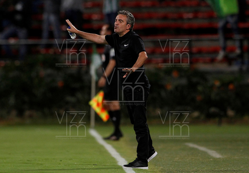 MEDELLÍN - COLOMBIA, 31-10-2017: Juan Manuel Lillo técnico de Atlético Nacional gesticula durante partido con Patriotas FC  por la fecha 18 de la Liga Águila II 2017 jugado en el estadio Atanasio Girardot de la ciudad de Medellín. / Juan Manuel Lillo coach of Atletico Nacional gestures match against Patriotas FC  for the date 18 of the Aguila League II 2017 at Atanasio Girardot stadium in Medellin city. Photo: VizzorImage/León Monsalve/Cont