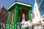 EXTRA EXTRA GET ALL THE INFO: The tourist information kiosk will reopen this Sunday at 1pm in Tralee town centre. From l-r were: Marcus Howlett (Volunteer Co-ordinator) and Dave Moran.