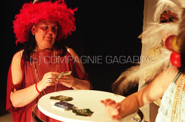 """Theatre company De Reynaertghesellen playing """"The Women"""" from Clare Booth directed by Marnick Bardyn (Belgium, 24/04/2003)"""