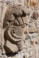Europe/France/Aquitaine/64/Pyrénées-Atlantiques/Pays-Basque/Mauléon-Licharre: Le château de Maytie dit d'Andurain - Détail sculpture des gargouille des fenêtres renaissance à meneaux