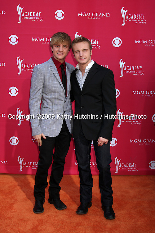 Josh & Zach Carter  arriving at the 44th Academy of Country Music Awards at the MGM Grand Arena in  Las Vegas, NV on April 5, 2009.©2009 Kathy Hutchins / Hutchins Photo....                .