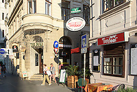 Bar The duke und indisches Restaurant Tandoor im Szeneviertel Quartier Spittelberg, Wien, &Ouml;sterreich, UNESCO-Weltkulturerbe<br /> bar and Indian Restaurant at Quarter Spittelberg, Vienna, Austria, world heritage