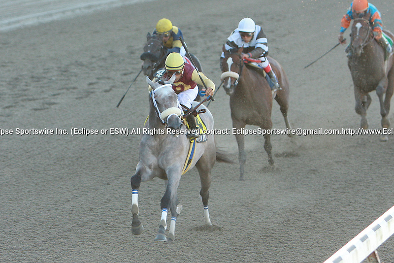 19 09 2009: Awesome Maria with Cornelio Velasquez win the Grade II Matron for 2-year old fillies at Belmont Park, Elmont, NY
