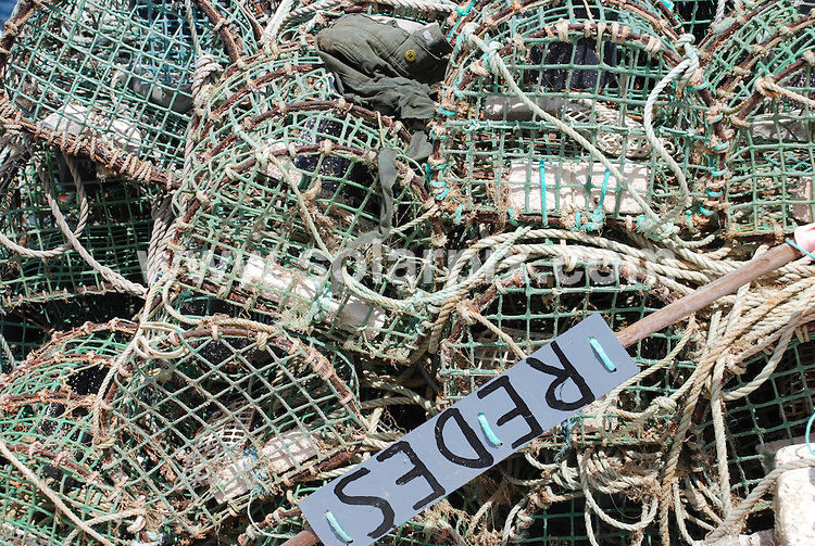 **ALL ROUND PICTURES FROM SOLARPIX.COM**.**WORLDWIDE SYNDICATION RIGHTS**.Sagres harbour is one of the major fishing ports in the Algarve. The fish auction takes place late afternoon at the fish dock complex. The auction is colourful and loud, but be careful not to wave your arms about, you may end up with 50 kilos of lobster!.JOB REF:    4378    PPL        DATE: 25_07_2007.**MUST CREDIT SOLARPIX.COM OR DOUBLE FEE WILL BE CHARGED* *UNDER NO CIRCUMSTANCES IS THIS IMAGE TO BE REPRODUCED FOR ANY ONLINE EDITION WITHOUT PRIOR PERMISSION*